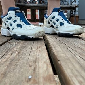 Vintage ASICS GEL 1st edition lyte blue and white